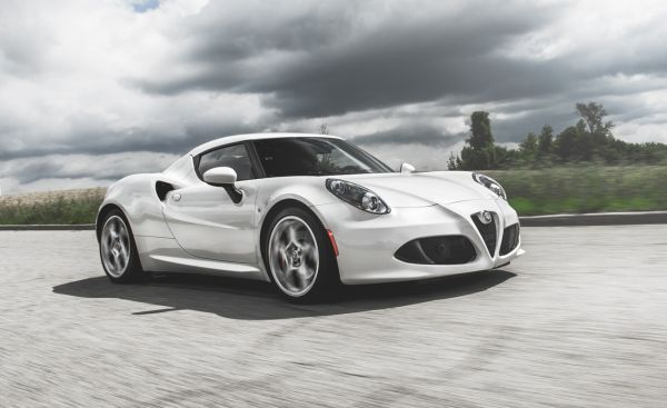 2015 alfa romeo 4c msrp price interior. Black Bedroom Furniture Sets. Home Design Ideas