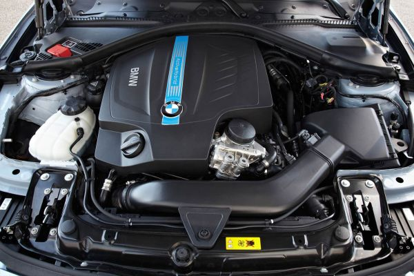 BMW Active Hybrid Sedan Engine 2015