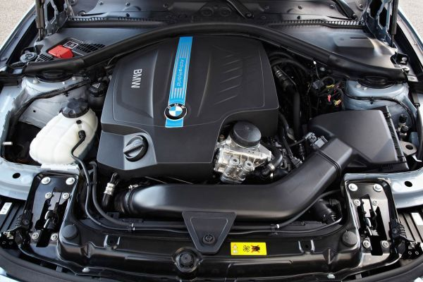 2015 - BMW ActiveHybrid 7 Engine