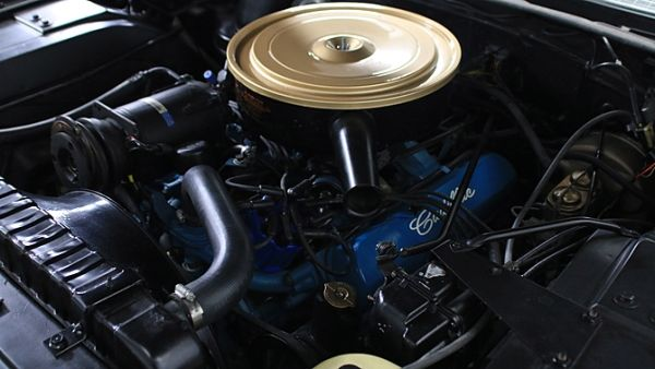 2015 - Cadillac Fleetwood Engine