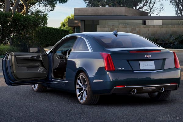 2015 - Cadillac Fleetwood Rear View