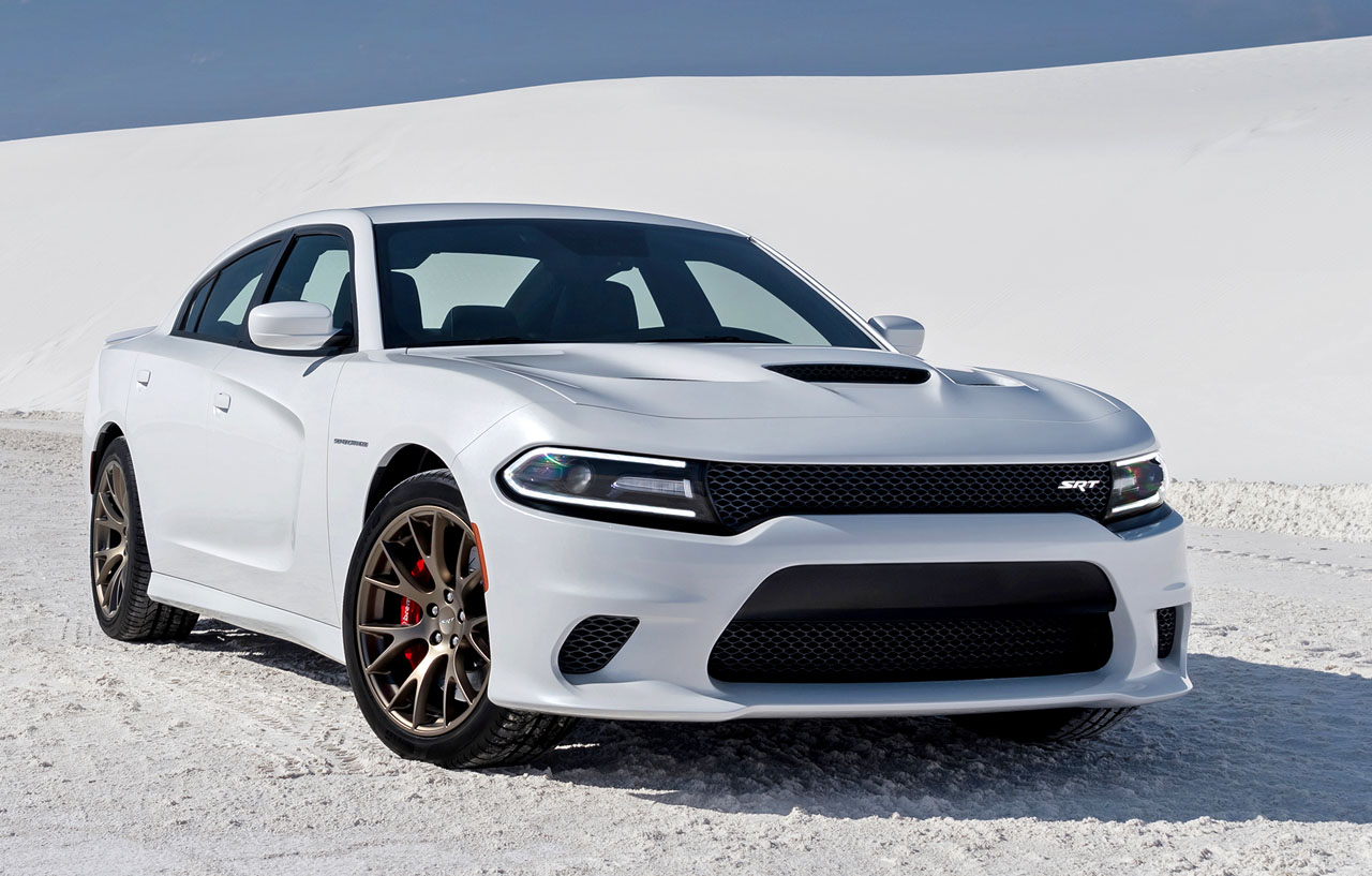 Exterior and Interior Features of 2015 Dodge Charger SRT Hellcat