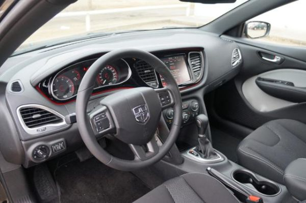 2015 dodge dart 4dr sdn sxt price specs review. Black Bedroom Furniture Sets. Home Design Ideas