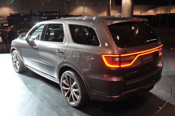 Dodge Durango 2015   Side and Rear View