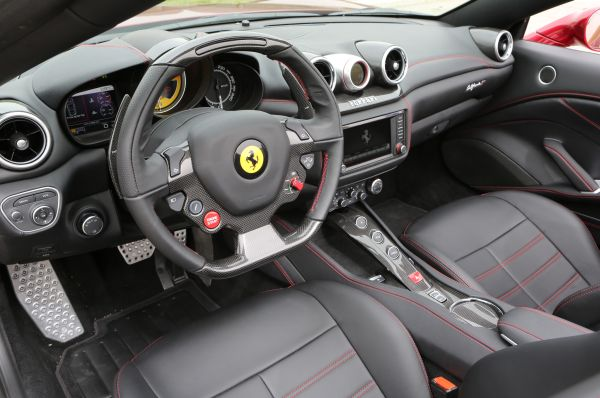 2015 - Ferrari California Interior