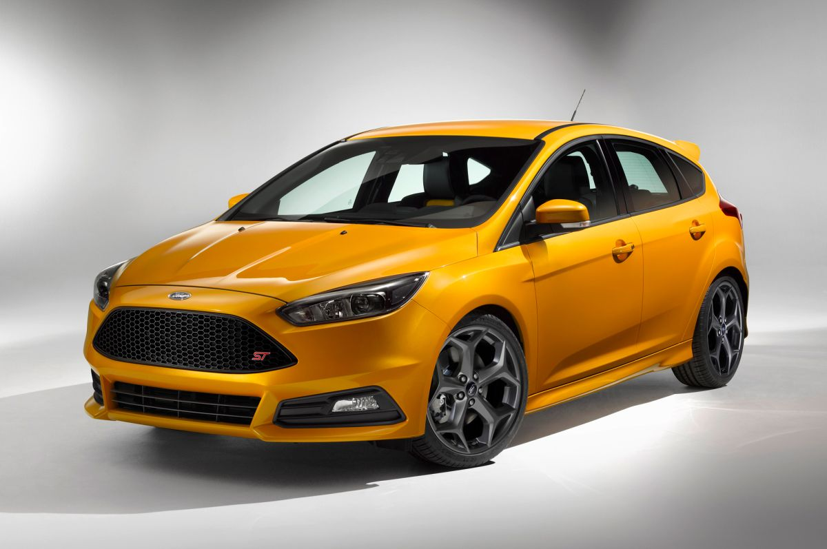 2015 ford focus st review msrp release date. Black Bedroom Furniture Sets. Home Design Ideas