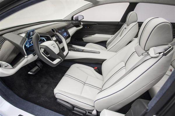 2015 Honda FCV Interior