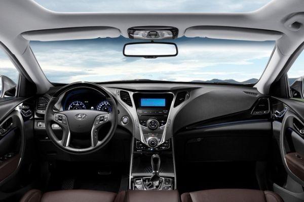 2015 - Hyundai Azera Interior