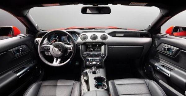 2015 - Infiniti Q50 Interior