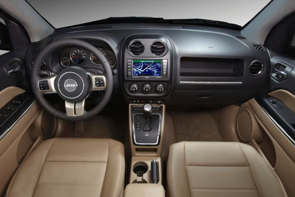 Jeep Compass Altitude 2015 Interior
