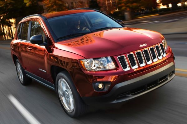 2015 jeep compass altitude review 4x4 fwd. Black Bedroom Furniture Sets. Home Design Ideas