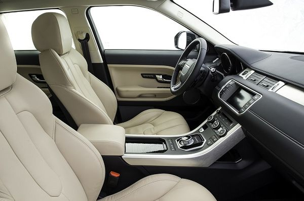2015 - Land Rover Range Rover Evoque Interior