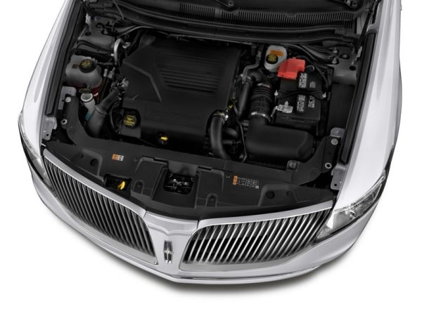 2015 Lincoln MKT Engine