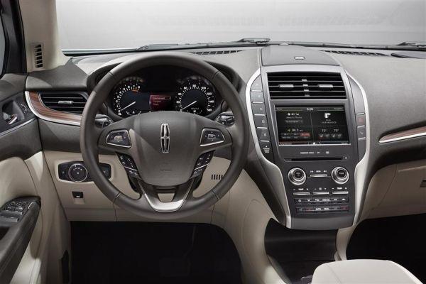 2015 Lincoln MKT Interior