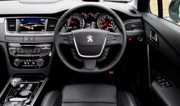 Peugeot 508 2015  Interior