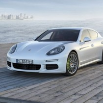 2015 - Porsche Panamera S E-Hybrid FI