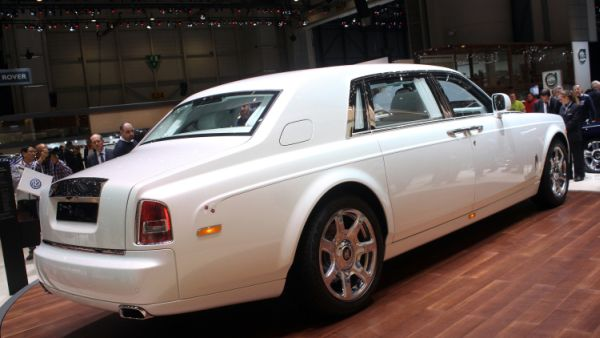 2015 - Rolls Royce Serenity Side and Rear View