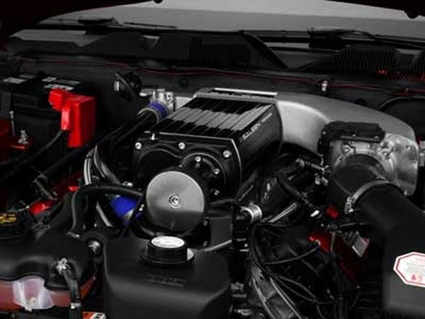 Saleen Mustang S302 Black Label 2015 Engine