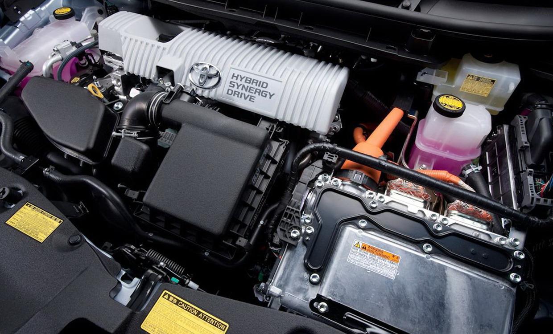 2015 Toyota Estima Hybrid Review Price