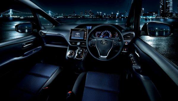2015 - Toyota Noah Interior