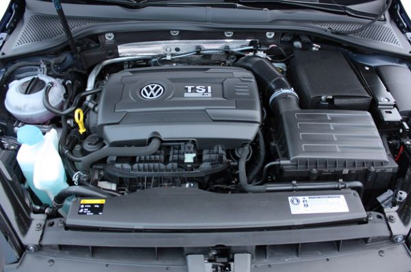 2015 Volkswagen Golf R Engine