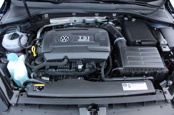 2015 Volkswagen Golf R Engine