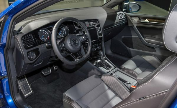 2015 Volkswagen Golf R Interior