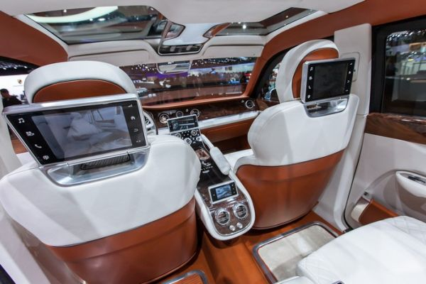 2016 Bentley Falcon Interior