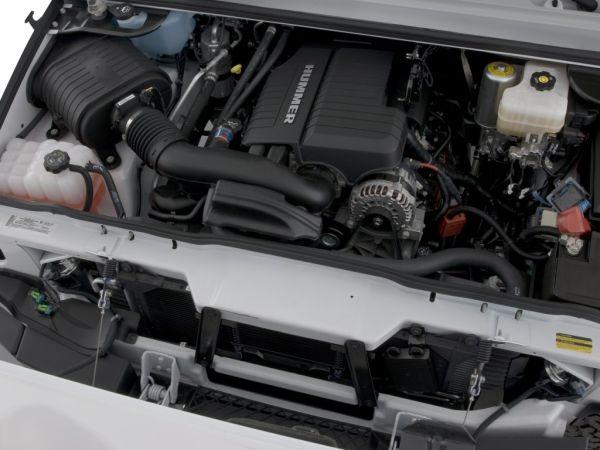 2016 HUMMER H2 Engine