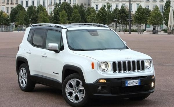 2016 jeep renegade suv review price color msrp. Black Bedroom Furniture Sets. Home Design Ideas