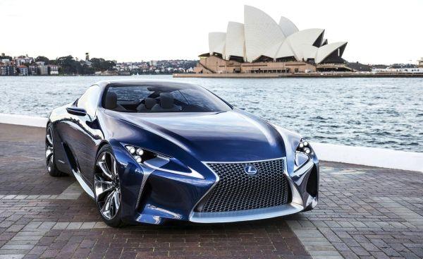2016 - Lexus IS