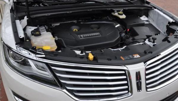2016 - Lincoln MKX Engine