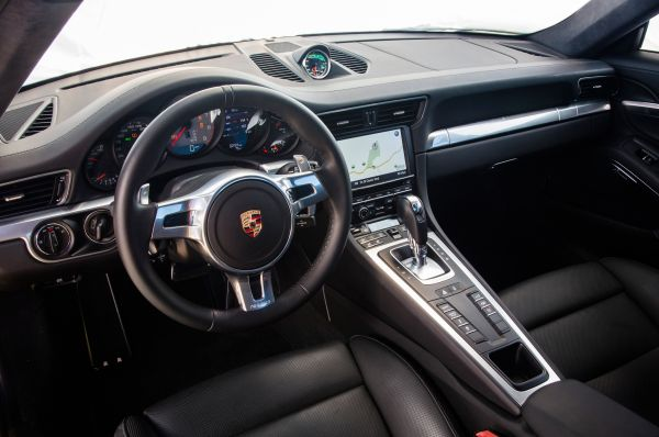 2016 Porsche 911 Turbo Interior