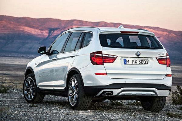 2017 - BMW X3 Rear View