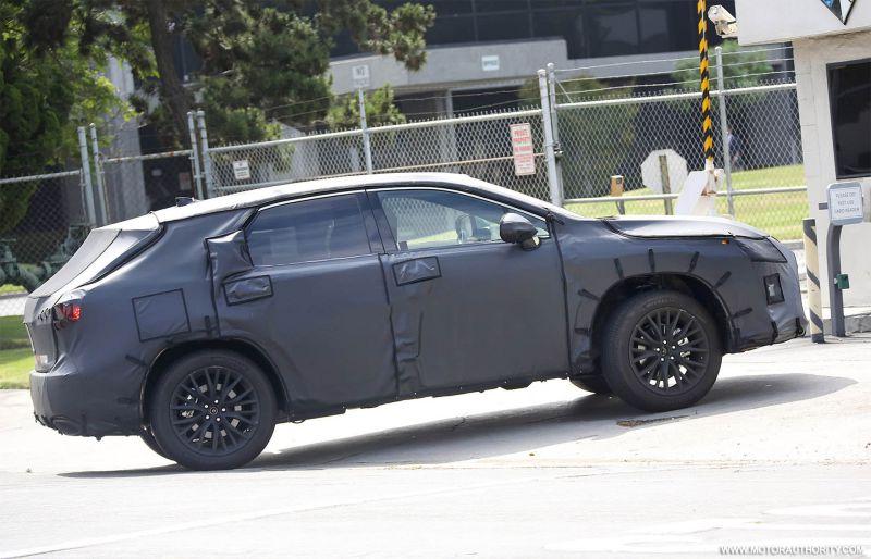 2017 Lexus RX 350 spy shots