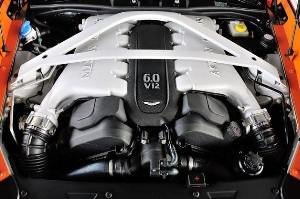 Aston Martin DB10 2015 - Engine