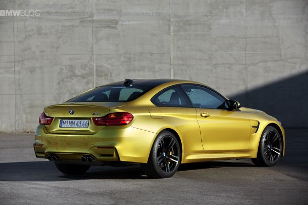 2015 BMW M4 - Side and Rear View