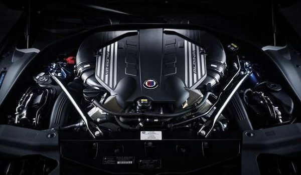 BMW M5 2016 - Engine