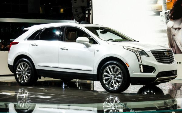 2017 cadillac xt5 suv interior pics release date price. Black Bedroom Furniture Sets. Home Design Ideas