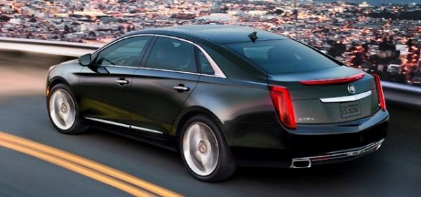 Cadillac XTS 2016 - Side and Rear View