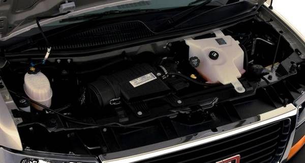 GMC Savana Cutaway 2016 - Engine