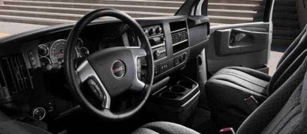 GMC Savana Cutaway 2016 - Interior