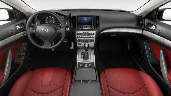 Infiniti Q60 2015 - Interior