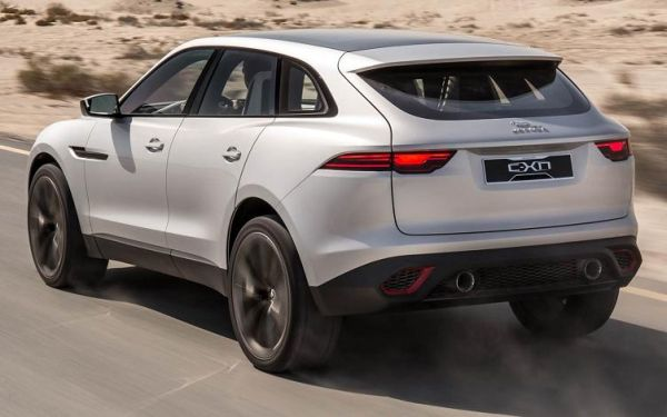 Jaguar F-Pace 2016 - Rear View
