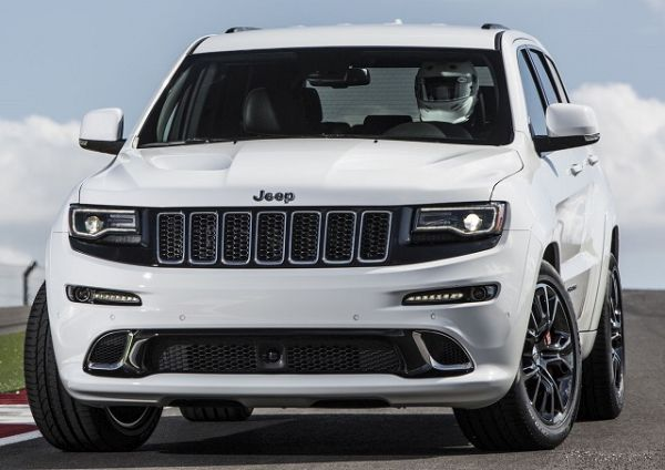 2016 Jeep Grand Cherokee Front View