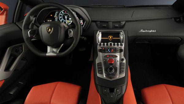 Lamborghini Gallardo 2015 - Interior