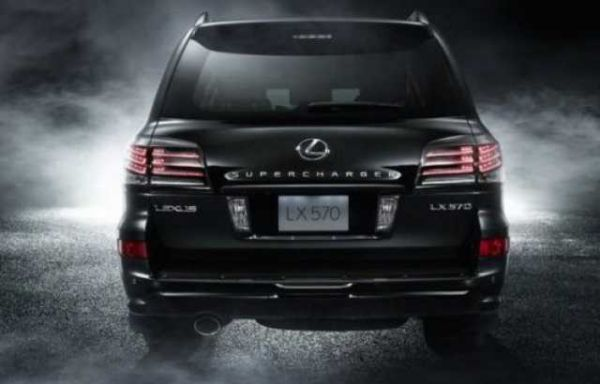 Lexus LX 2016 - Rear View
