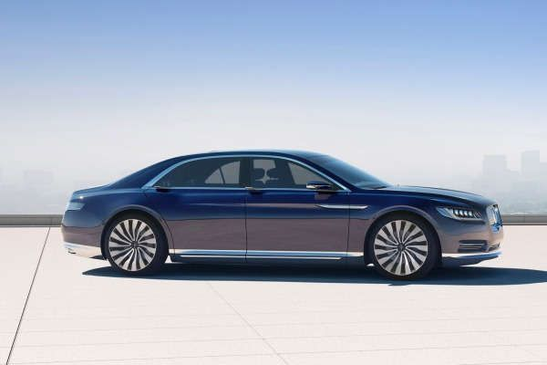 2017 Lincoln Continental - Side View