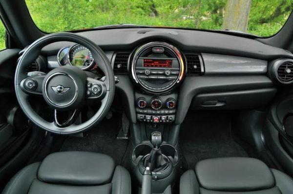MINI Cooper Hardtop 2015 - Interior