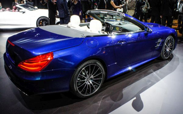 2017 Mercedes-Benz SL 550 - Side View